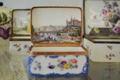 porcelain box small