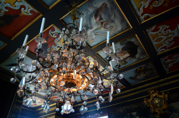 Chandelier at Rosenborg Slot
