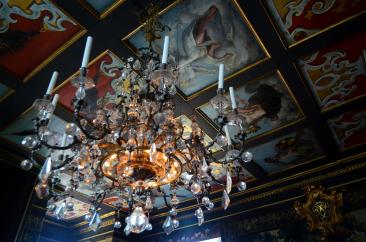 Chandelier at Rosenborg Slot
