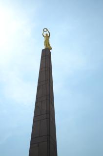 statue small