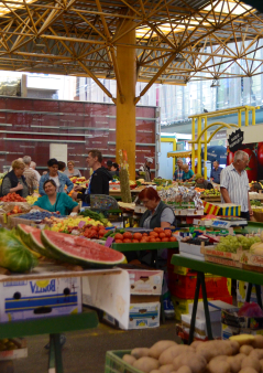 market 1 small